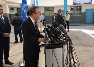 Ban ki-Moon in Gaza (image from UN)