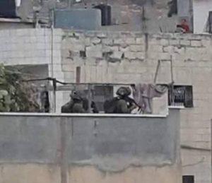 Fawwar rooftpp soldiers hebron