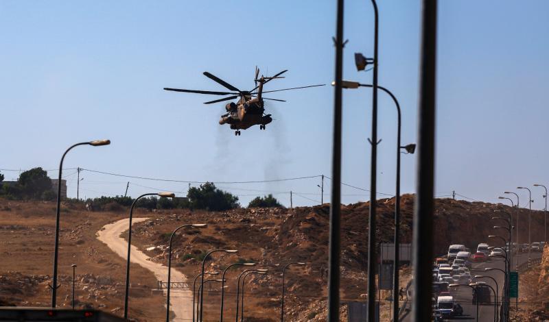 Israeli helicopter over settlement of Shiloh (image from vosizneias.com)