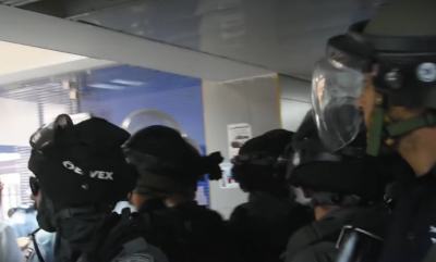 Troops enter Makassed Hospital in 2017 (archive image)