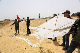Kite flying in Gaza (image from Twitter)