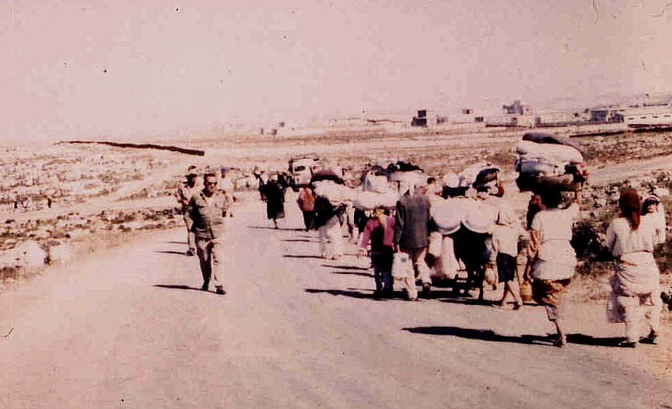 1948 Refugees (Image from palestineremembered.com)