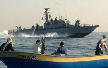 Deze afbeelding heeft een leeg alt-atribuut; de bestandsnaam is fishermen_boat_navy-e1536830326676.jpg