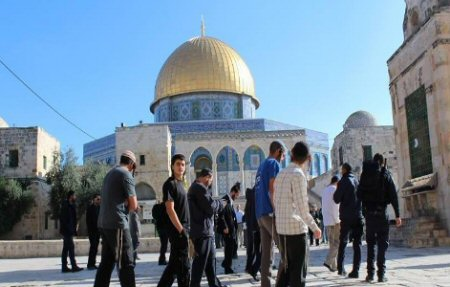 Protest at al-Aqsa (archive image)