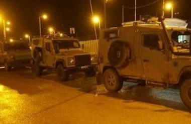 Israeli troops in a night raid in the West Bank (archive image)