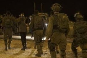"-Israeli Occupation Forces (IOF) arrested on Wednesday four youths, including a cancer patient, from Beit Jala and Aida and Al-Izzah refugee camps in Bethlehem.. According to security sources, ""Wafa"", the Israeli occupation forces arrested Nawaf Ismail al-Qaisi (45 years), from Al-Azza refugee camp north of Bethlehem, a patient with cancer, and Mohammed Nader Jawarish (17 years) from the tables in the city of Beit Jala, and Mohammed Hamdi al-Masa'id, Ashraf al-Sheikh from Aida camp, after they raided and searched their homes. ـــ"