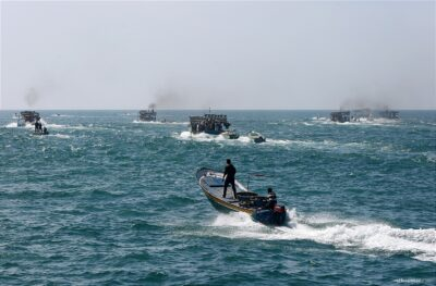 Deze afbeelding heeft een leeg alt-atribuut; de bestandsnaam is 20160405_Gaza-Fisherman-on-boats-sell-fish-11-e1603091908255.jpg