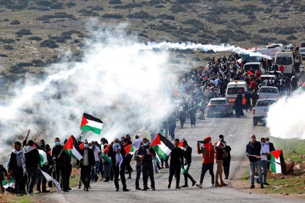 Deze afbeelding heeft een leeg alt-atribuut; de bestandsnaam is Protest-Nov-23-Shehab-e1606242410727.jpg