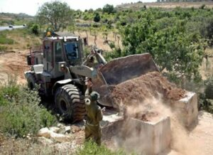 Soldiers Close Agricultural Roads Near Hebron