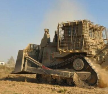 Armored D9 bulldozer (archive image)
